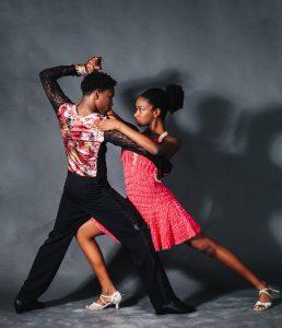 Le 7 funzioni di DeepenDance per i maestri di ballo