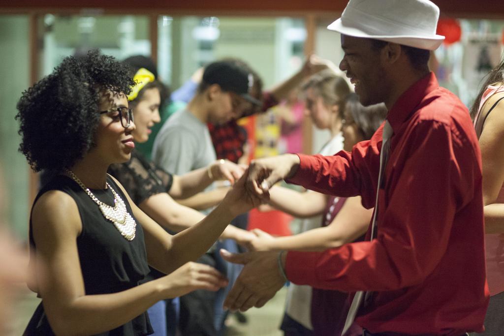 Come scegliere la scuola di ballo latino americano adatta a te