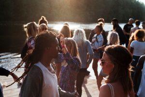 Perché ballare fa bene: 5 motivi per cui dovremmo farlo di più