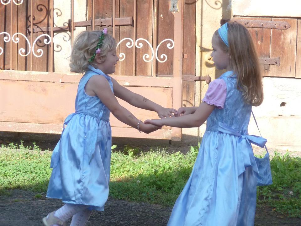 far danzare i bambini